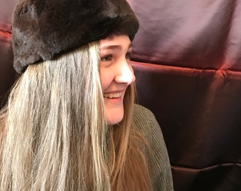 Vintage Women's Fur Hat - Retro Pillbox