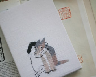 Hand embroidery notepad wolf animals