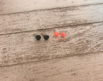 Set of 2 Small Stud Earrings