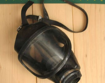 East German gas mask mask firefighter panoramic mask big glases gas mask steampunk mask dust mask halloween masks spooky mask vintage mask