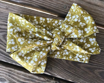 Texture Floral Gold