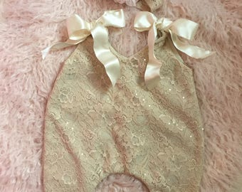 Newborn baby lace romper. Newborn photo prop for girl. Very elegant romper with matching headband.