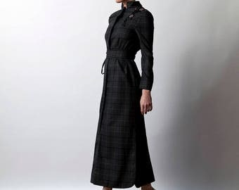 Gray Wool Dress with belt, and rose embroidery