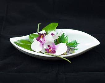 Cutting ceramic with Phalenopsis - Keramikschale mit Phalenopsis - white ceramic with phalenopsis