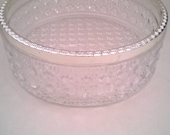 Vintage Daisy & Button Pattern Round Glass Fruit Bowl
