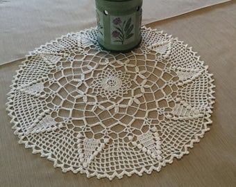 Doilies. Home decor. Lace toppers