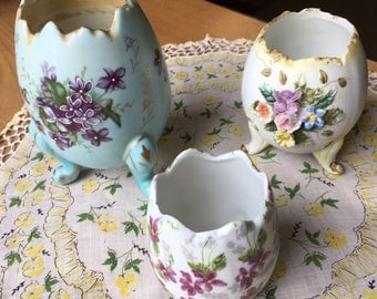 Lot of 3 Vintage Porcelain Footed Broken Egg Shaped Vase Hand Painted Inarco