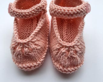 Handmade Baby Booties – Knitted booties - Mary-Jane shoes – baby shower gift - spring booties - christening present