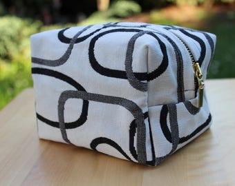 handbag, bag, cosmetic bag geometric years 60