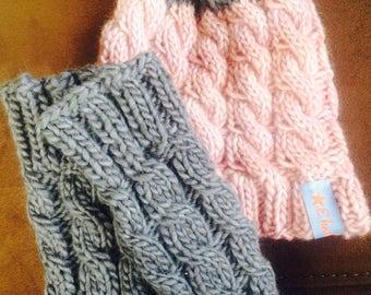 Newborn knit hat &leg warmer set ( 0-9 months)