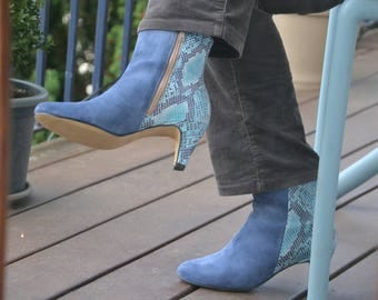 woman Blue Suede and blue snake print leather boot