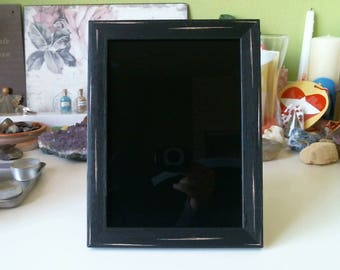 Black scrying mirror