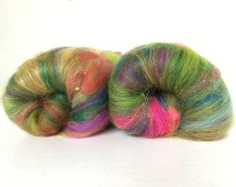 Green and Pink Indian Art Batt, Green and Pink Holi Art Batt, Art Batt, Merino and silk batt, Fibre Batt for spinning, Fiber Batt