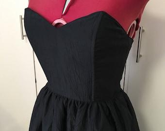 Vintage 1980s Cue Design Black Strapless Prom Evening Dress. Size 10