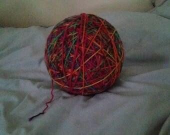Giant kittenplay yarn ball