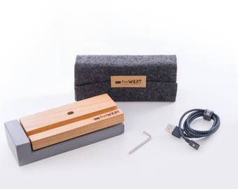 Charger for iPhone from-Kirsche-wood and concrete
