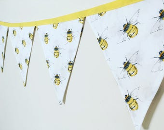 Bumble bee bunting