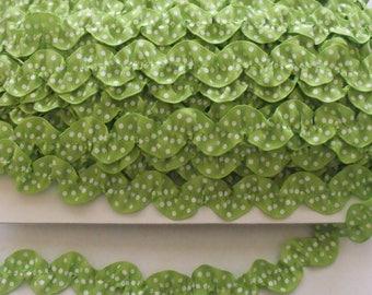 Ruffled Ric Rac - Lime Apple Green - Trim - 1 Yard