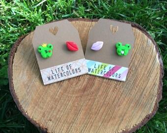 Frog prince earrings (2 designs) / / pending Prince frog (2 models)