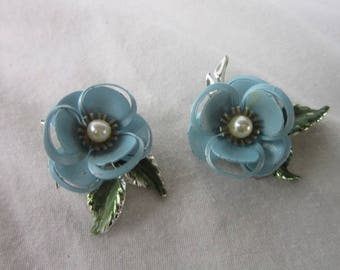 Beautiful Vintage Large Baby Blue Flowers with Pearl Center Clip on Earrings