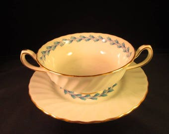 """Minton cream soup """"Chevot"""" with underplate"""