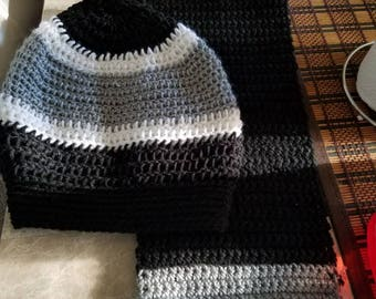 Slouch beanie with matching scarf