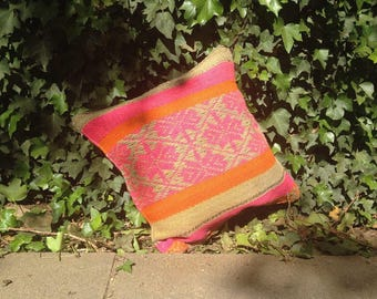 Cushion cover by hand made by Peruvian artisans