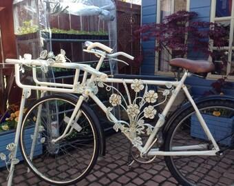 Bespoke vintage butchers bike