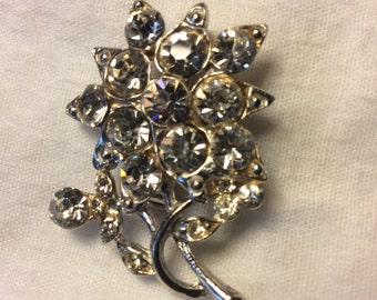 Vintage Rhinestone Flower pin/brooch