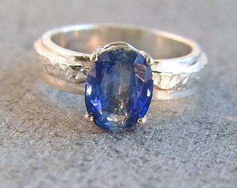 Cobalt - Double color Kyanite gemstone ring