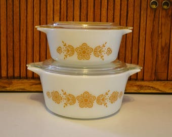 Two Vintage Pyrex Butterfly Gold Casserole Dishes with Lids - 474 - B 1 1/2 QT - 472 - 1 1/2 Pt - Cinderella - Royal Hill Vintage