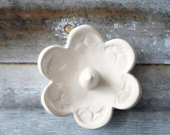 Soft White Ring Holder - Elegant and Simple Ring Dish -  Eggshell glaze Ring Bowl