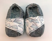 Toddler-sized, Toms Inspired, Paper Airplane Shoes - 12-18 months