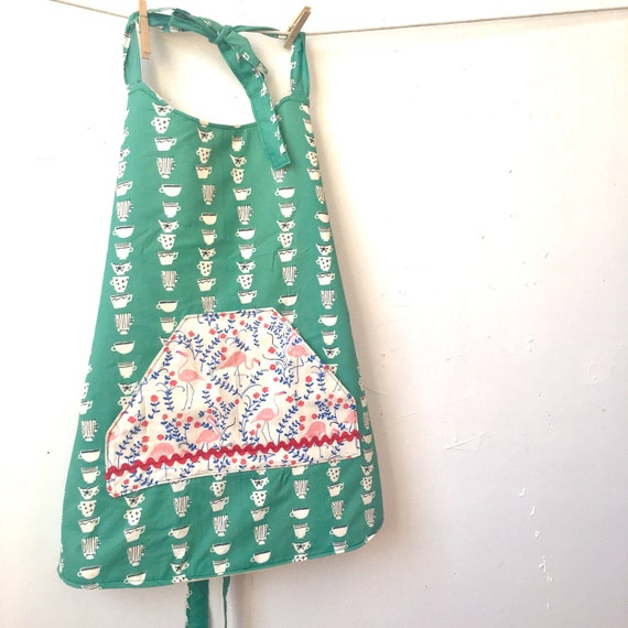 Full lenght reversible durable super cute apron