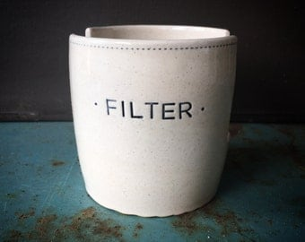 Filter holder in black and white