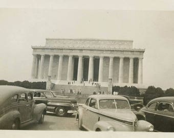 Vintage photo 1945 All Cars Parked Tourists at Lincoln Memorial WAsh DC