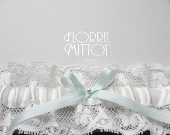 D a i n t y  lace garter with silk and swarovski pearl, silk garter, pale ivory silk lace garter, something blue garter, vintage lace garter