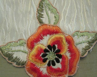 Six Vintage Appliqued Napkins - Creamy White Napkins With Colorful Flowers - Spring/ Summer Dining