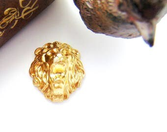 BRASS * LION Roaring Head Lion Stamping - Jewelry Ornament Findings ~ Brass Stamping (CA-3024)