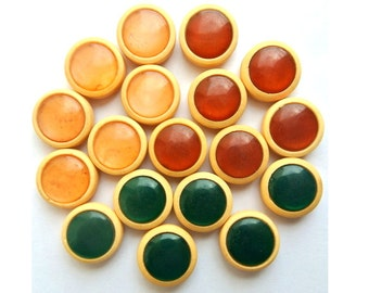 18 Vintage buttons in 3 colors 15mm 6 buttons of each color