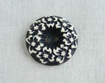 Vintage Buffed Celluloid Flower Button Black & Cream