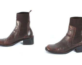 size 8 CHELSEA brown leather 80s 90s MINIMAL pull on ankle boots