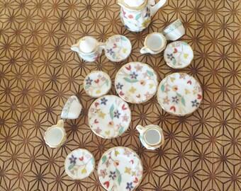 Floral 1:12 Miniature Tea Set Porcelain Ceramic Teapot Sugar Bowl Plates Tea Cups Plates Colorful Flower Mini Doll Kitchen Doll House Dining