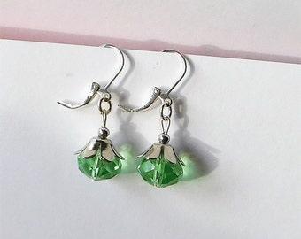Ohrhänger facettierte Perle grün silber