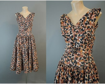 Vintage Dress 1950s Brown & Black Cotton Day Dress, fits XS 32 inch bust, Full skirt