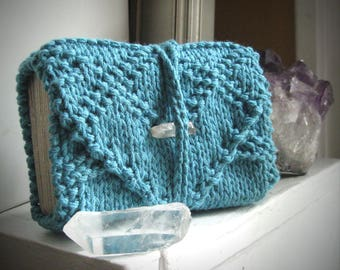 Robin's egg blue Tarot wrap / knitted tarot holder / oracle deck holder / tarot gift / tarot deck cozy / tarot reader gift / intuition altar