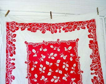 Red and white cotton tablecloth - square