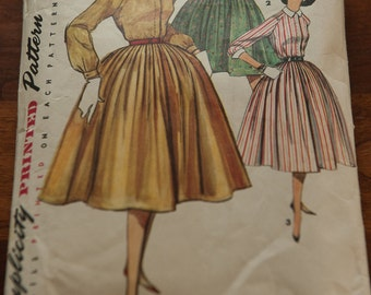Simplicity 1683 Vintage Pattern - Bust 33 Sz 13 Dress 50s 60s Great Dress with Full Skirt