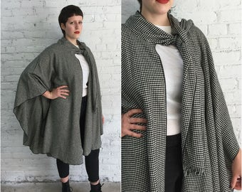 vintage black and white houndstooth tweed poncho / mod shawl / vintage wool cape