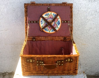 Vintage Large Suitcase Style Picnic Basket /Colorful Plastic Plates, Red Plaid Lining